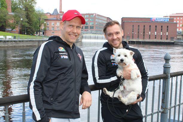Henri Puputti (vas.) ja Juha Puhtimäki ovat valmiina viemään Mansen mitalipeleihin. Hengessä on mukana myös Puhtimäen Nemo-koira.