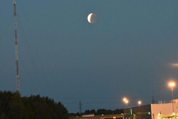 Tältä näytti kuunpimennys Oulussa.