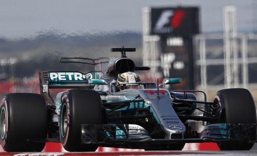Lewis Hamilton ajoi jo uransa 72. paalupaikan.