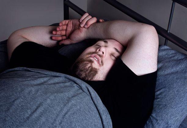 Sairastuneiden koomankaltainen uni voi kestää jopa viikkoja. Kuvituskuva.
