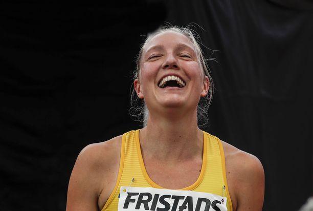 Moa Hjelmer voitti maaottelun 400 metriä lauantaina Tampereella.