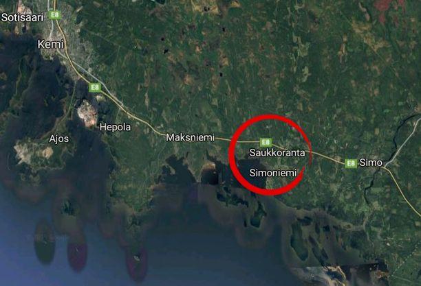 Onnettomuuspaikka sijaitsee Maksniemeltä Simon suuntaan, ennen Palohovintien risteystä.