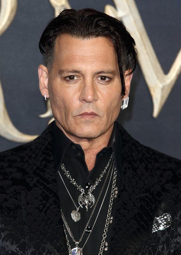 Johnny Depp on toiminut hajuvesimerkin mainoskasvona jo neljän vuoden ajan.