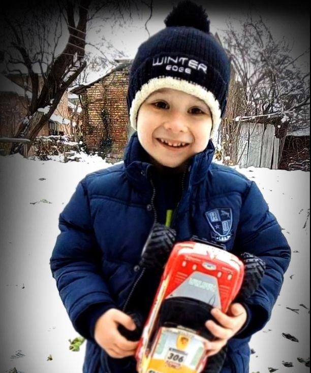 5-vuotiaan Alin perhe on paennut Krimiltä. Hyväntekeväisyystapahtuman Facebook-sivulta voi lukea mm. Alin unelmista.