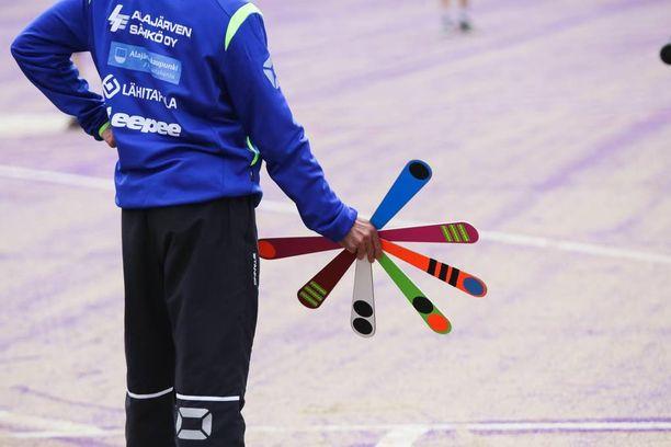 Juniorit osallistuivat Raumalla pesäpallon suurleirille. Leirin aikana heidän varusteensa varastettiin peräkärryn mukana.