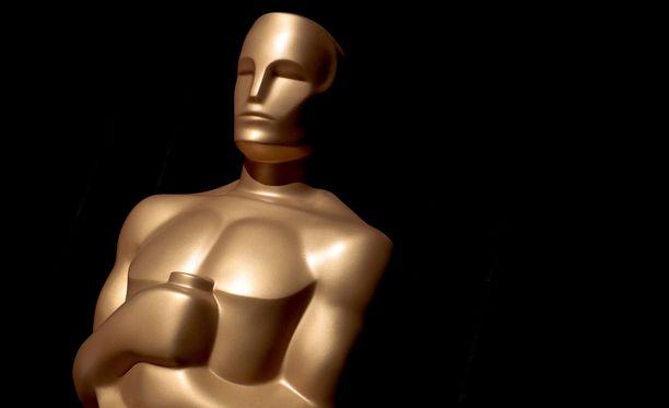 Lahjakassi jaetaan kahdellekymmenelleviidelle ehdolla olevalle ohjaajalle ja näyttelijälle.
