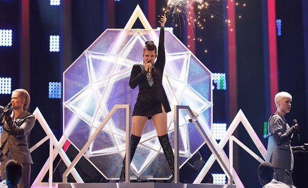 Suomen Saara Aalto esiintyy lauantaina Euroviisujen finaalissa sijalla seitsemäntoista.