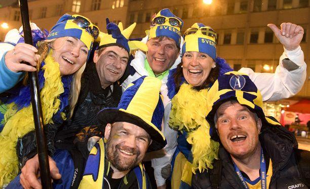 Kisatorilla tunnustettiin ruotsalaisvärejä.