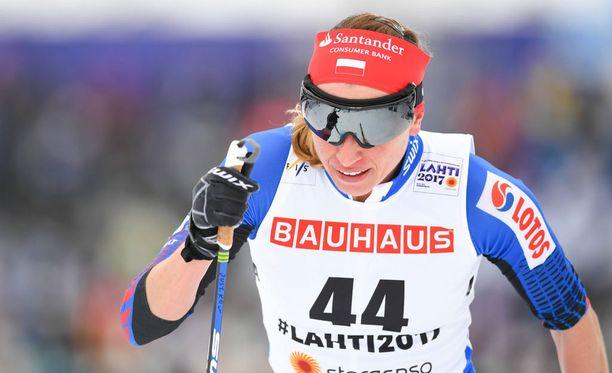 Justyna Kowalczyk poseerasi poikkeuksellisessa tällingissä.