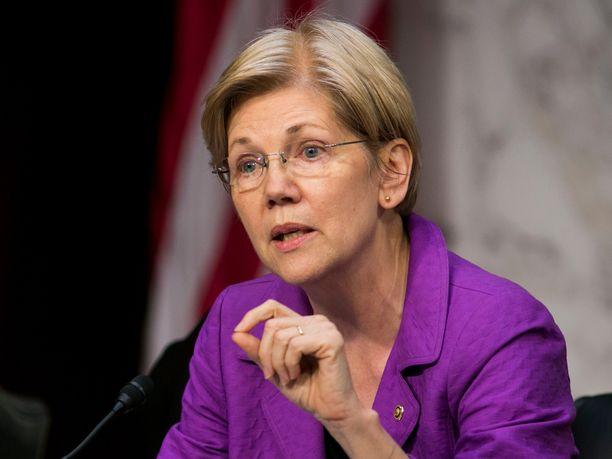 Warren kuvattuna Washingtonissa vuonna 2016.