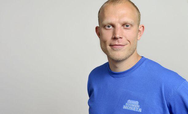 Pikaluistelija Pekka Koskela luisteli 10.11.2007 Salt Lake Cityssä 1 000 metrin kisan aikaan 1.07,00. Uusi ME-tulos säilyi maaliskuuhun 2009 saakka.