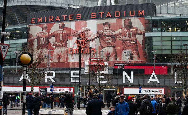 Arsenal lupaa tasoittaa naisten ja miesten välisiä palkkaeroja.