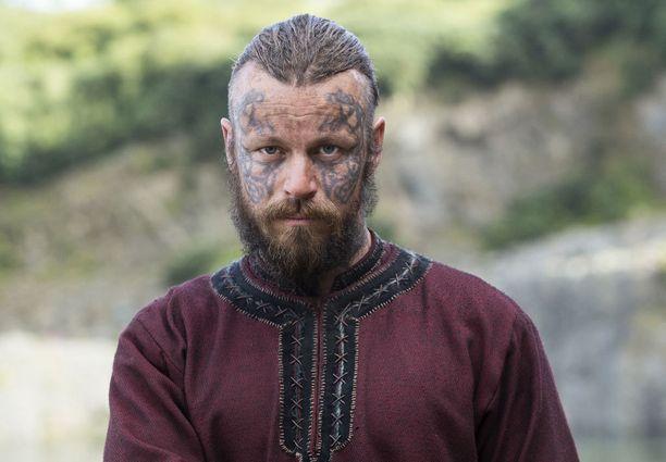 Peter Franzén esittää kaunotukkaista viikinkiveljestä.