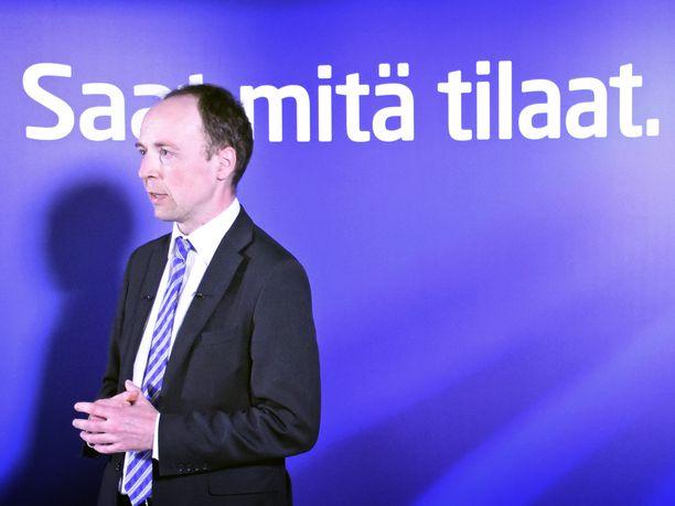Perussuomalaisten puheenjohtaja Jussi Halla-aho on tyytyväinen puolueen saamiin valiokuntien puheenjohtajuuksiin.