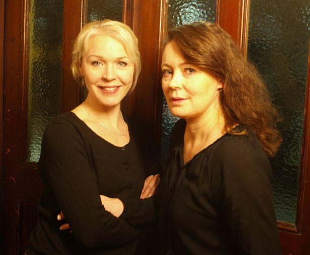 Johanna Kokko ja Marjaana Maijala ovat tunteneet pitkään, mutta myös kaksosten vanhemmuus yhdistää heitä.