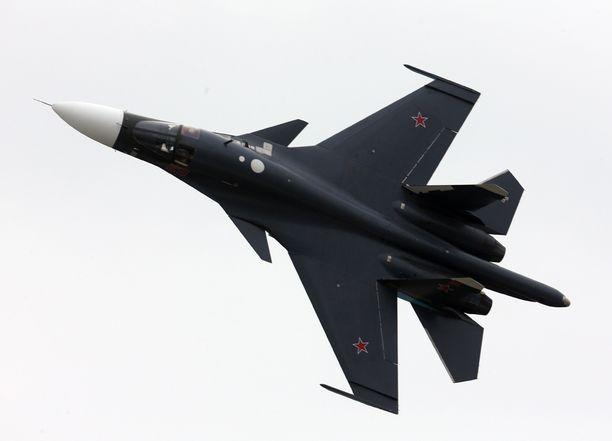 Monikäyttöinen Su-34 hävittäjä-pommikone kuvattuna vuonna 2013. Kyseistä konemallia käytetään nyt Syyriassa.