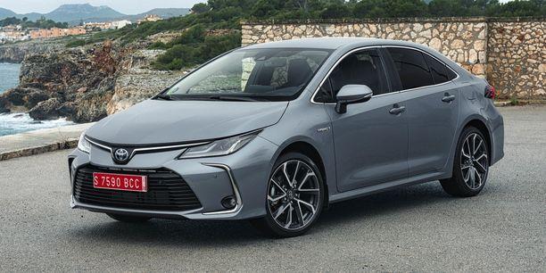 Uuden Sedanin keula on erinäköinen muissa Corolloissa.