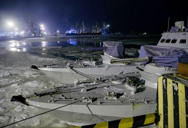 Ukrainalaisaluksia Mariupolin satamassa joulukuun alussa.