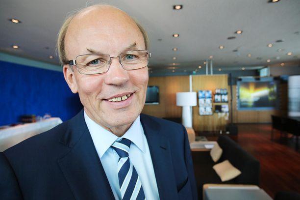 Matti Alahuhta oli kahdeksan vuotta sitten myöntämässä kohufilosofille reilun puolen miljoonan euron rahoitusta.
