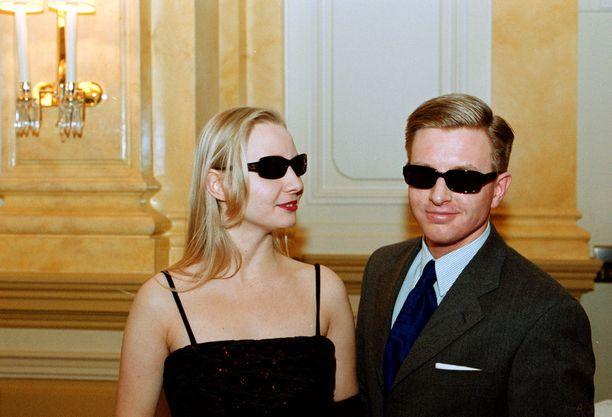 Tällaisia Chanelin aurinkolaseja esiteltiin muotinäytöksessä vuonna 2000.