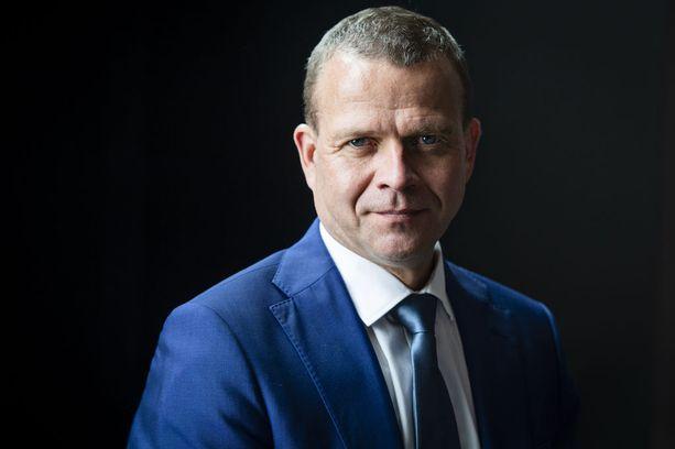 Orpo valittiin kokoomuksen puheenjohtajaksi kesäkuussa 2016. Lauantaina tuli jatkokausi, jonka päätavoite on keväällä 2019 pidettävät eduskuntavaalit.