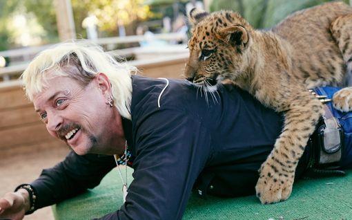 Tiger King -tähti Joe Exotic ei saanut armahdusta Trumpilta – vetoaa nyt Joe Bideniin uusilla todisteilla