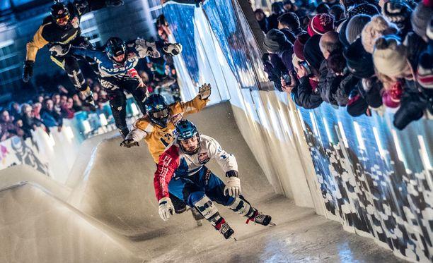Paavo Klintrupin tyylinäyte 2015 Belfastin Crashed Ice -kisassa.