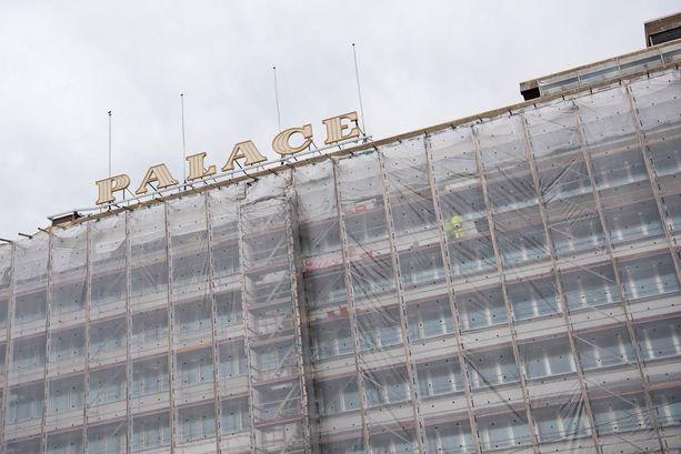 Etelärannan työnantajakehto peiteltiin syyskuussa suojapakettiin. Sisällä käydään yt-neuvotteluita, joita ryydittää salainen tutkimus, jossa EK:n johtajat rankattiin paremmuusjärjestykseen.