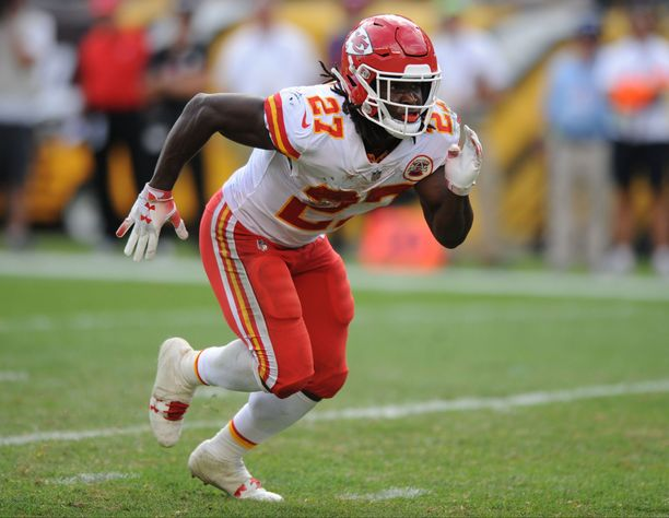 Kareem Hunt sai potkut Kansas City Chiefsista.