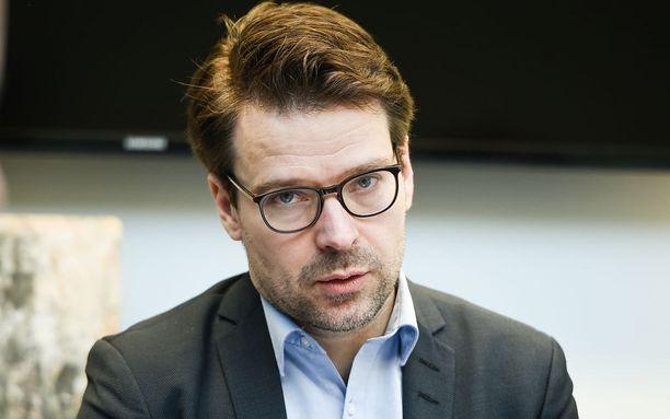 Ville Niinistön mukaan hallituspuolueet kokoomus ja keskusta ovat tilivelvollisia perustelemaan, miksi ne voisivat jatkaa hallitusyhteistyötä Halla-ahon johtamien perussuomalaisten kanssa.