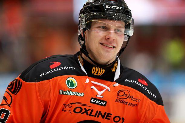 Markus Nenonen avasi maalihanat Oulussa.