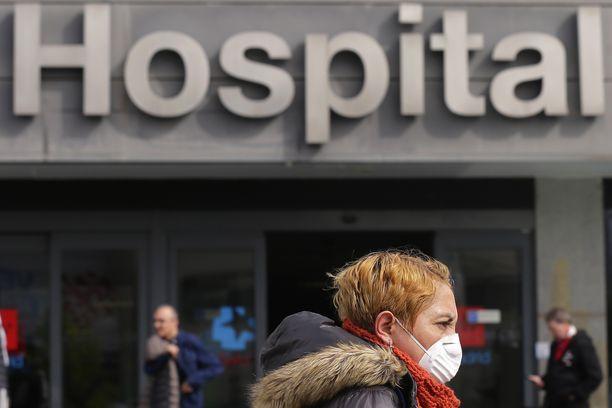 Koronavirusepidemia täyttää sairaaloita Espanajssa.
