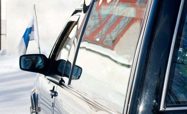 Ruumiiden kuljetukset hoitaa Jämsän seudulla hoito- ja siivouspalvelu. Kuvan auto ei liity tapaukseen.