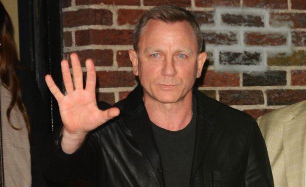 Craig jatkaa Bondina.