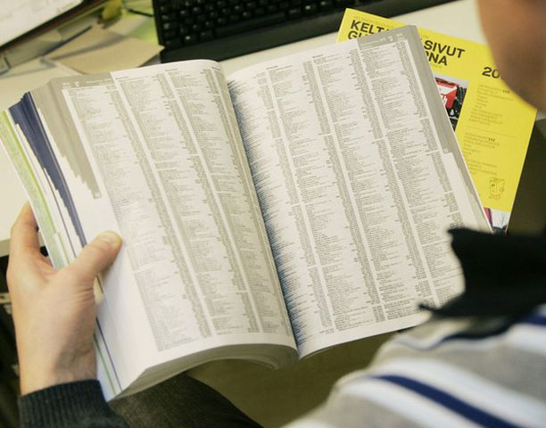 Helsingin seudun puhelinluettelosta on tällä kertaa otettu 700 000 kappaleen painos.