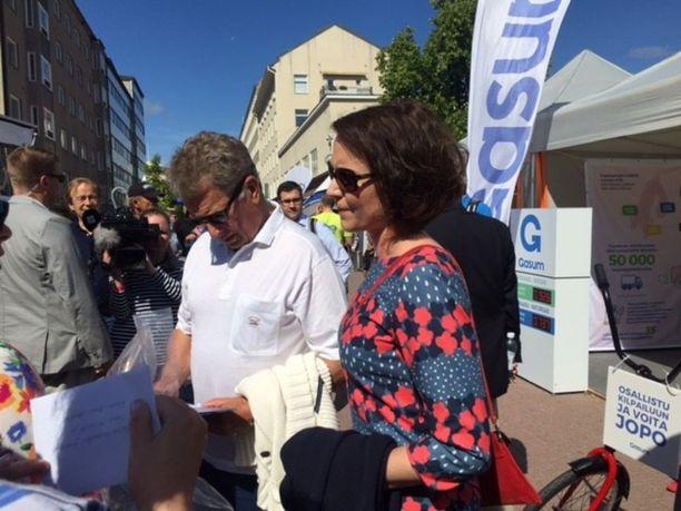 Tasavallan presidentti Sauli Niinistö ja Jenni Haukio vierailivat keskiviikkona Porin Suomi-areenassa.