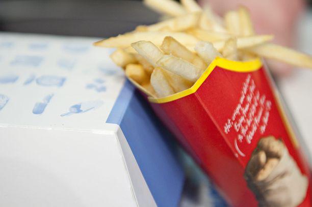 Koulutus on suunnattu ensisijaisesti ravintolapäälliköille ja apulaisravintolapäälliköille sekä hallinnon tehtäviin edenneille asiantuntijoille, joilla on tausta McDonald's-ravintolassa.