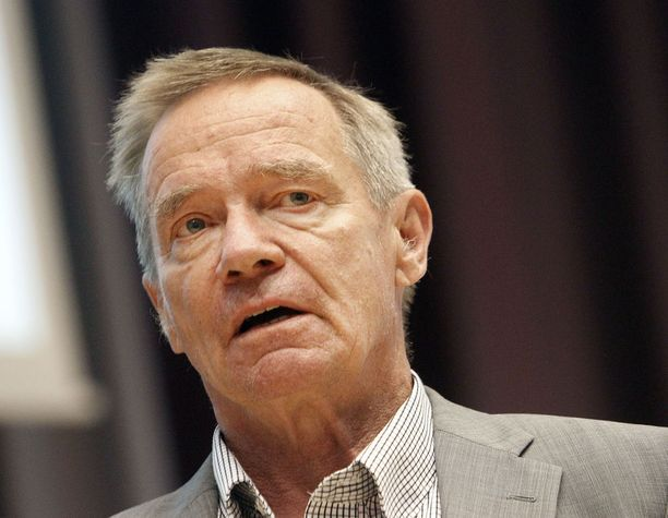 Emeritusprofessori Martti Kekomäen mukaan hallituksen mallin myötä kustannukset kasvaisivat, kun rahaa menisi rikotun integraation rakentamiseen, oikeudenkäynteihin, mainosnikkareille sekä sijoitetun ulkomaisen pääoman osinkoihin.