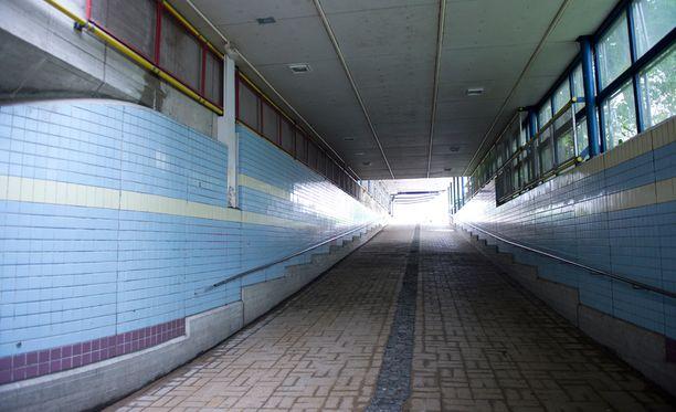 Helsingissä Tapanilan aseman lähellä tapahtuneen raiskauksen tekijät selvisivät ehdollisilla vankeustuomioilla.