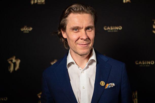 Tuukka Temonen, 44, on tunnettu suomalainen muusikko, ohjaaja ja tuottaja.