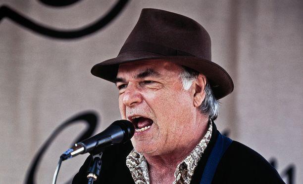 Yhdysvaltalainen David Olney oli korkeasti arvostettu laulaja-lauluntekijä, jota on muistokirjoituksissa luonnehdittu muun muassa Americana-musiikin pioneerina.