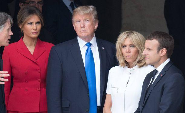 Melania Trump, Donald Trump, Brigitte Macron ja Emmanuel Macron muun muassa kiersivät yhdessä nähtävyyksiä.