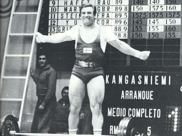 Kaarlo Kangasniemi toi Suomen ainoan kullan Méxicon olympialaisista 1968. Tuuletus oli sen mukainen.