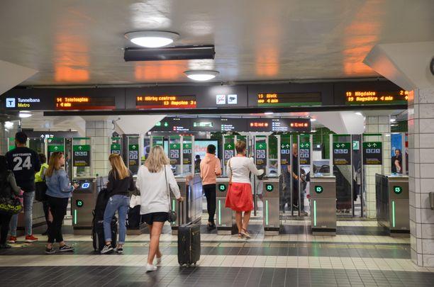 Tapaus sattui Tukholman päämetroasemalla T-Centralenilla. Kuva ei liity tapaukseen.