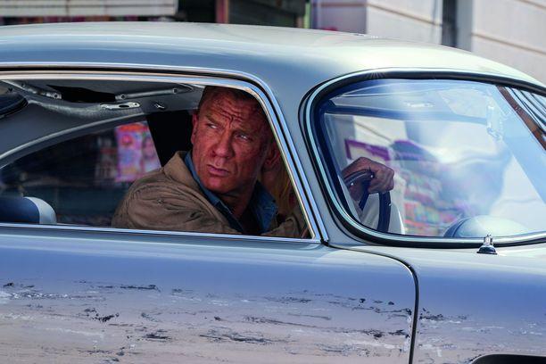 Daniel Craig, 53, suostui palaamaan vielä kerran James Bondin rooliin, vaikka oli ehtinyt jo aiemmin vannoa haastatteluissa toisin.