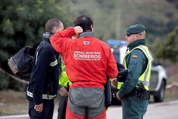 Pelastustyöntekijät ovat huhkineet alueella jo yhdeksän päivää.