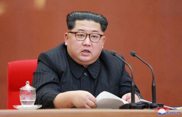 Kim saa sveitsiläistä perunaröstiä.