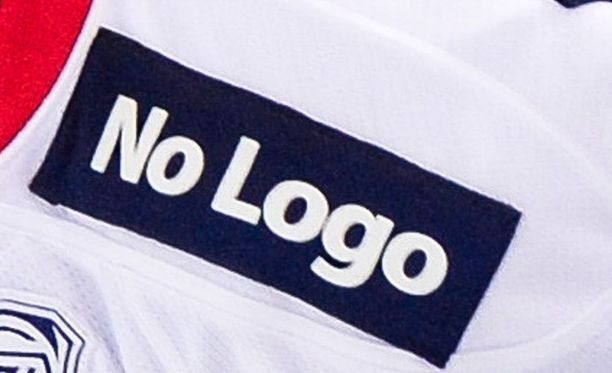 Myös No Logo -teksti on Poliisihallituksen päätöksen mukaan yhdistettävissä vedonlyöntifirmoihin.