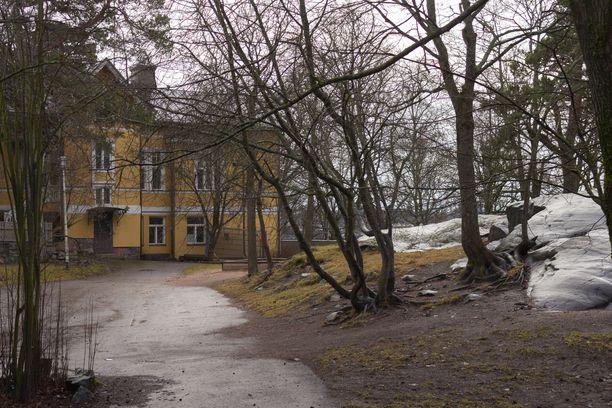 Ikuisessa harmaudessa rämpiminen päätyy Etelä-Suomessa pian.