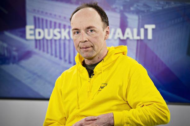 Perussuomalaisten puheenjohtaja Jussi Halla-aho kommentoi Ano Turtiaisen Facebook-kirjoitusta.